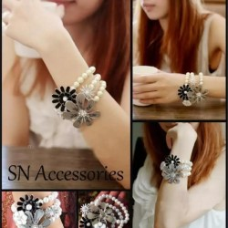 Charming Multi Flowers With Pearls Bracelet